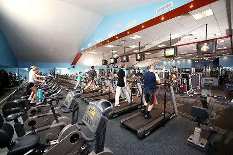 Что лучше тренажерный зал или фитнес?